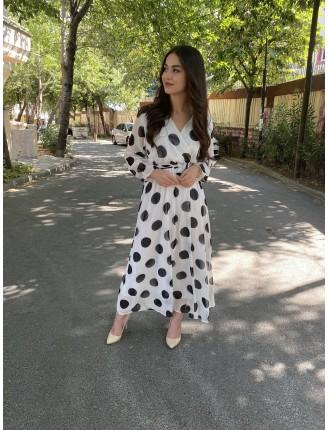 Beyaz Büyük Puanlı Şifon Elbise