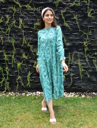 Kol Lastik Önü Patlı Manolya Elbise