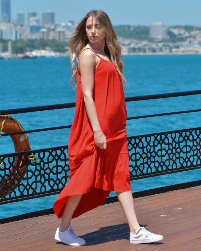 Kırmızı Askılı Egzotik Elbise
