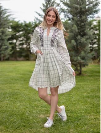 Beyaz Nakış İşlemeli Asimetrik Elbise
